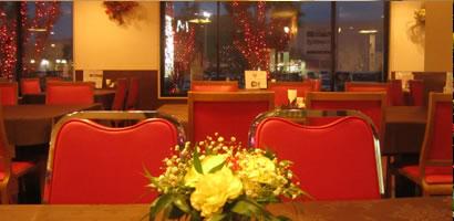 レストラン「赤〜いりんご」