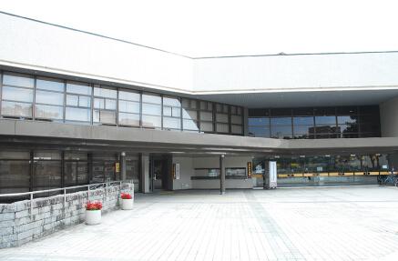 八戸市公会堂